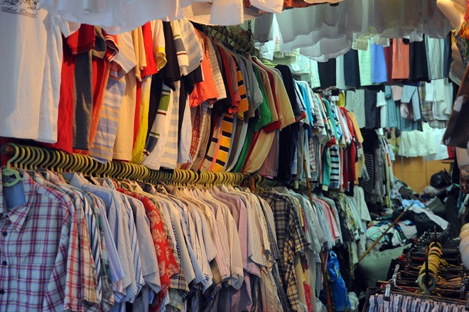 quần áo bán buôn