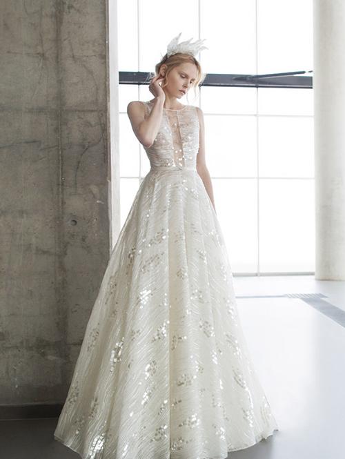 Váy cưới cảm hứng từ hình học hay tinh thể pha lê